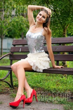 Sandra from Zaporozhye 28 years - nice smile. My small public photo.
