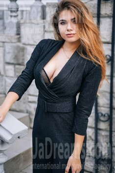 Nastya from Lutsk 18 years - creative image. My small public photo.
