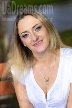 Irishka from Kremenchug 34 years - loving woman. My small public photo.