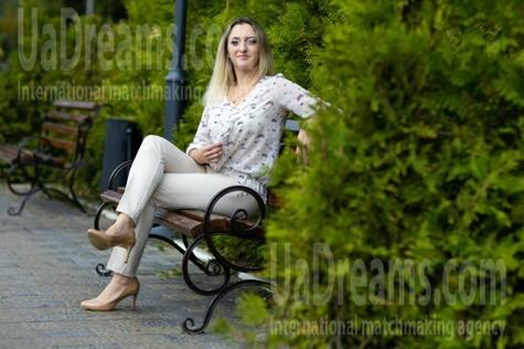 Irishka from Kremenchug 34 years - Music-lover girl. My small public photo.