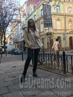 Olya from Lviv 23 years - want to be loved. My small public photo.