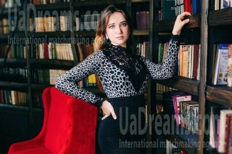 Alenka from Cherkasy 24 years - eyes lakes. My small public photo.