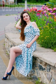 Alenka from Cherkasy 24 years - looking for relationship. My small public photo.