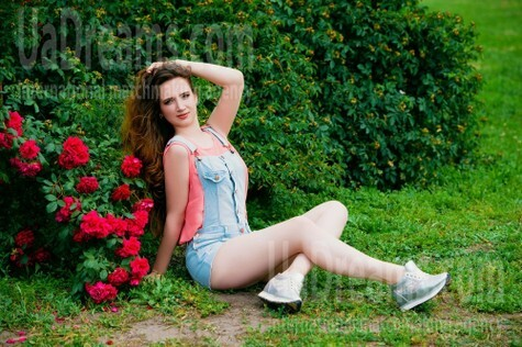 Alenka from Cherkasy 24 years - kind russian girl. My small public photo.