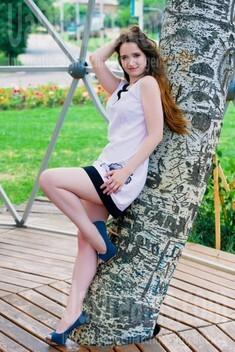 Alenka from Cherkasy 24 years - attentive lady. My small public photo.