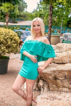 Natalia from Odessa 44 years - kind russian girl. My small public photo.