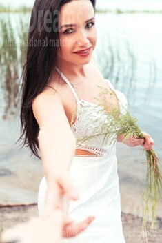 Nadya from Kiev 35 years - single russian woman. My small public photo.