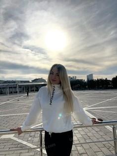 Alona Sumy 26 y.o. - intelligent lady - small public photo.