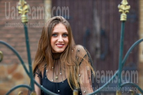 Ekaterina from Kremenchug 31 years - want to be loved. My small public photo.