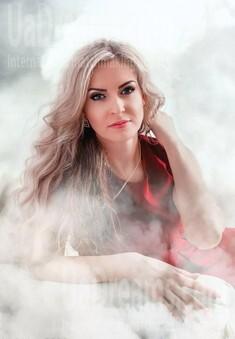 Julia from Kremenchug 33 years - ukrainian woman. My small public photo.