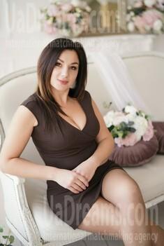 Kamilla 41 years - beautiful woman. My small public photo.
