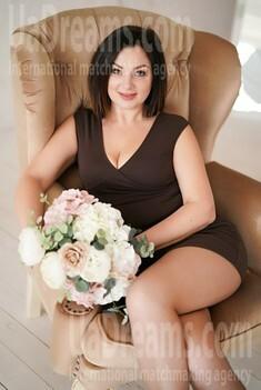 Kamilla 41 years - ukrainian woman. My small public photo.