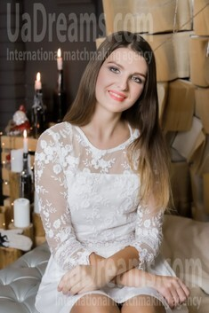 Katya from Lutsk 20 years - search for love. My small public photo.