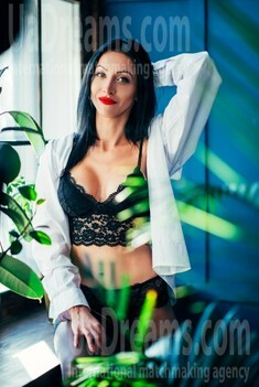 Julia from Lviv 31 years - natural beauty. My small public photo.