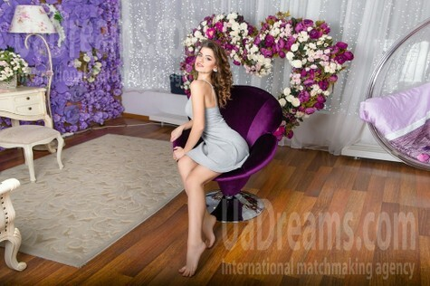 Alyona from Kharkov 21 years - waiting for husband. My small public photo.