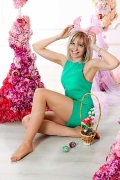 Julie Zaporozhye 40 y.o. - intelligent lady - small public photo.