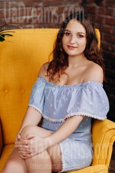 Anna from Poltava 19 years - clever beauty. My small public photo.