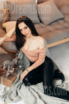 Vika from Ivano-Frankovsk 19 years - clever beauty. My small public photo.