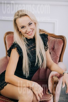 Irina from Lutsk 36 years - look for a man. My small public photo.