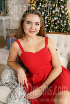 Svetlana 21 years - nice smile. My small public photo.