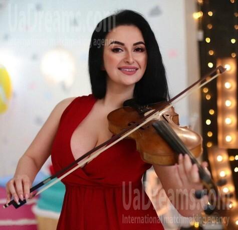Mariana from Ivano-Frankovsk 23 years - hot lady. My small public photo.