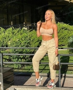 Julia Nikolaev 34 y.o. - intelligent lady - small public photo.