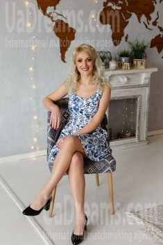 Maria from Ivano-Frankovsk 34 years - waiting for husband. My small public photo.