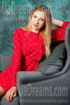 Dana from Lutsk 22 years - favorite dress. My small public photo.
