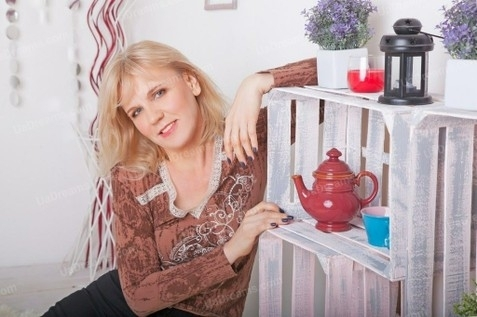 Helen Kharkov 50 y.o. - intelligent lady - small public photo.