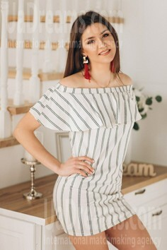 Tanusha Poltava 22 y.o. - intelligent lady - small public photo.