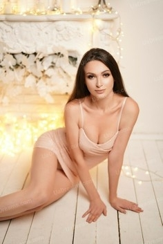 Valentina Nikolaev 31 y.o. - intelligent lady - small public photo.