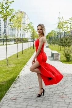 Maryna from Ivano-Frankovsk 21 years - cool photo shooting. My small public photo.