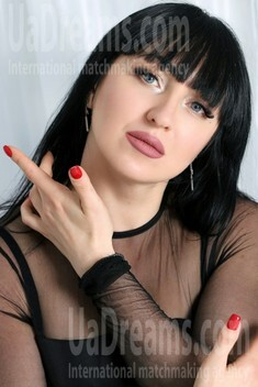 Yana from Zaporozhye 40 years - waiting for you. My small public photo.
