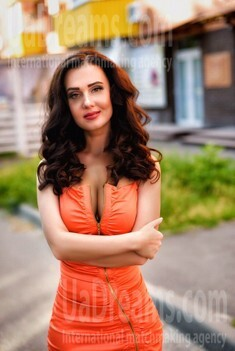 Anna from Poltava 40 years - nice smile. My small public photo.