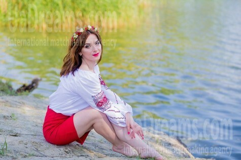 Hanna from Sumy 27 years - sunny day. My small public photo.