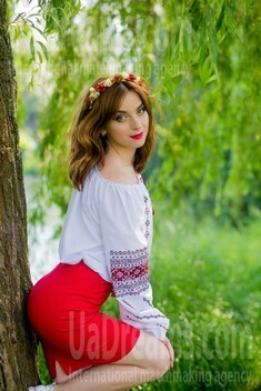 Hanna from Sumy 27 years - easy charm. My small public photo.