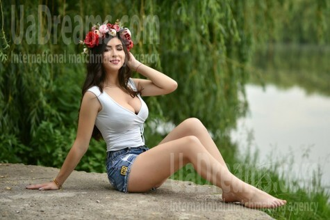 Yana 22 years - ukrainian woman. My small public photo.