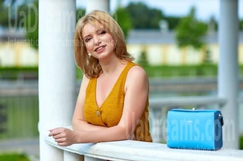 Tanya Kremenchug 37 y.o. - intelligent lady - small public photo.