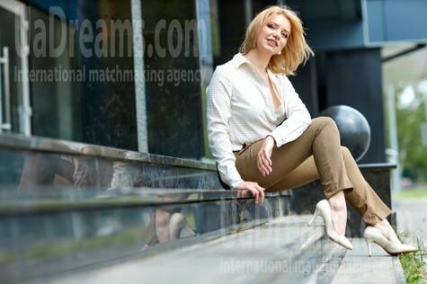 Tanya from Kremenchug 37 years - eyes lakes. My small public photo.
