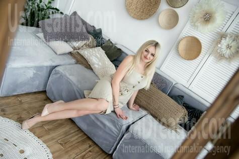 Tatyana from Kharkov 34 years - favorite dress. My small public photo.
