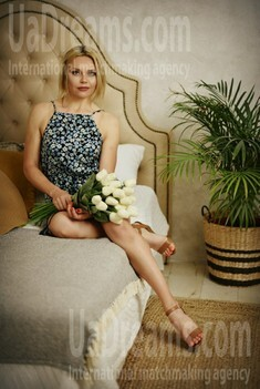 Alena from Poltava 37 years - creative image. My small public photo.