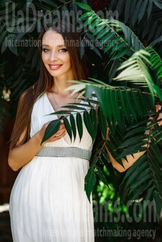 Juliya from Poltava 34 years - bride for you. My small public photo.