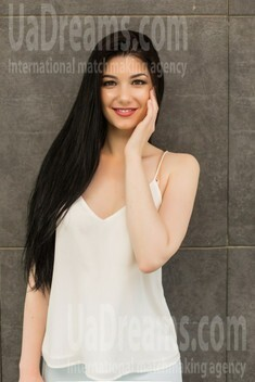 Nataliia from Ivano-Frankovsk 22 years - want to be loved. My small public photo.