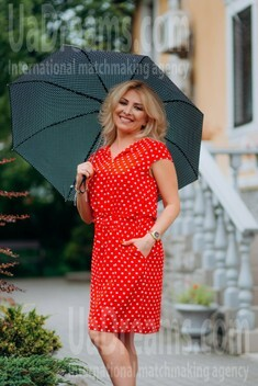 Oksana from Lutsk 44 years - bright smile. My small public photo.