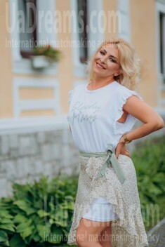 Oksana from Lutsk 44 years - eyes lakes. My small public photo.