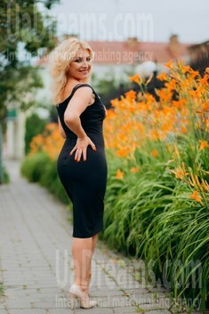 Oksana from Lutsk 44 years - beautiful woman. My small public photo.