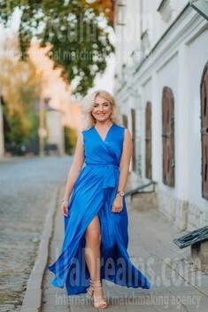Oksana from Lutsk 44 years - it's me. My small public photo.