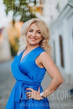 Oksana from Lutsk 44 years - great weather. My small public photo.