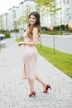 Marta from Ivano-Frankovsk 20 years - intelligent lady. My small public photo.