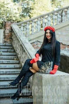 Asya from Dnipro 32 years - attentive lady. My small public photo.